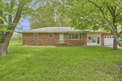 1504 W North Shore Dr Mahomet-001-6-exterior-mls Size